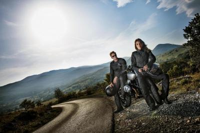 W poszukiwaniu motocyklowej kurtki